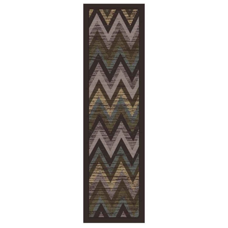 Runner rug with a chevron pattern in gray and brown